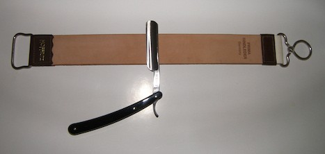 straight Razor_and_sharpening strop